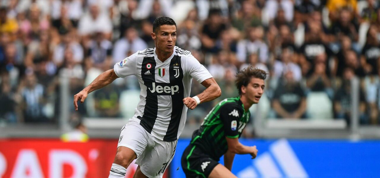 Cristiano Ronaldo dribbling Juventus Sassuolo lapresse 2019 1