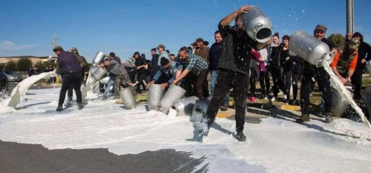 protesta pastori sardi latte