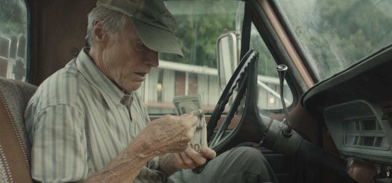 9ac544a4fb Clint Eastwood interpreta e dirige il suo ultimo e brillante film,  regalando al pubblico mondiale un nuovo esempio di ottimo cinema. Corriere  Mule web1280