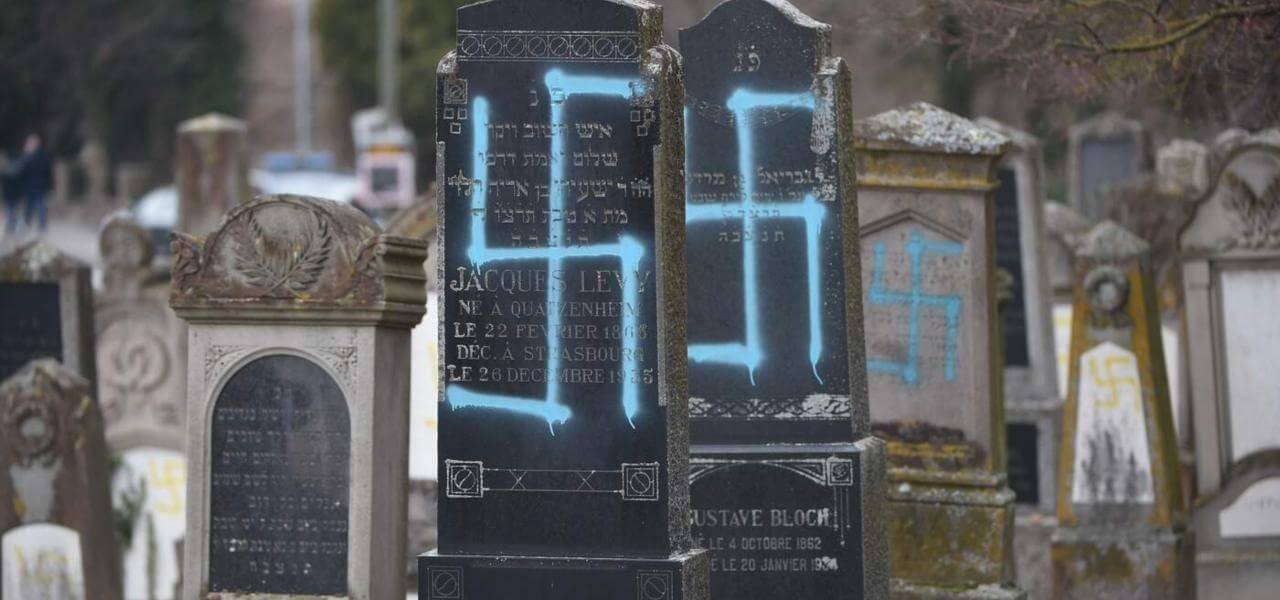 Cimitero ebraico profanato