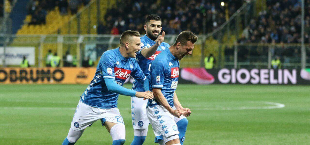 Milik Zielinski Hysaj Napoli gol Parma lapresse 2019