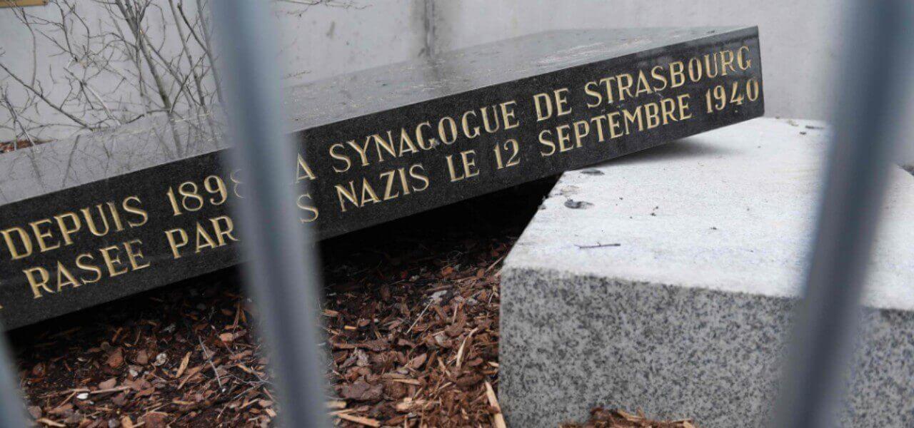 stele sinagoga strasburgo vandalizzata 2019 lapresse