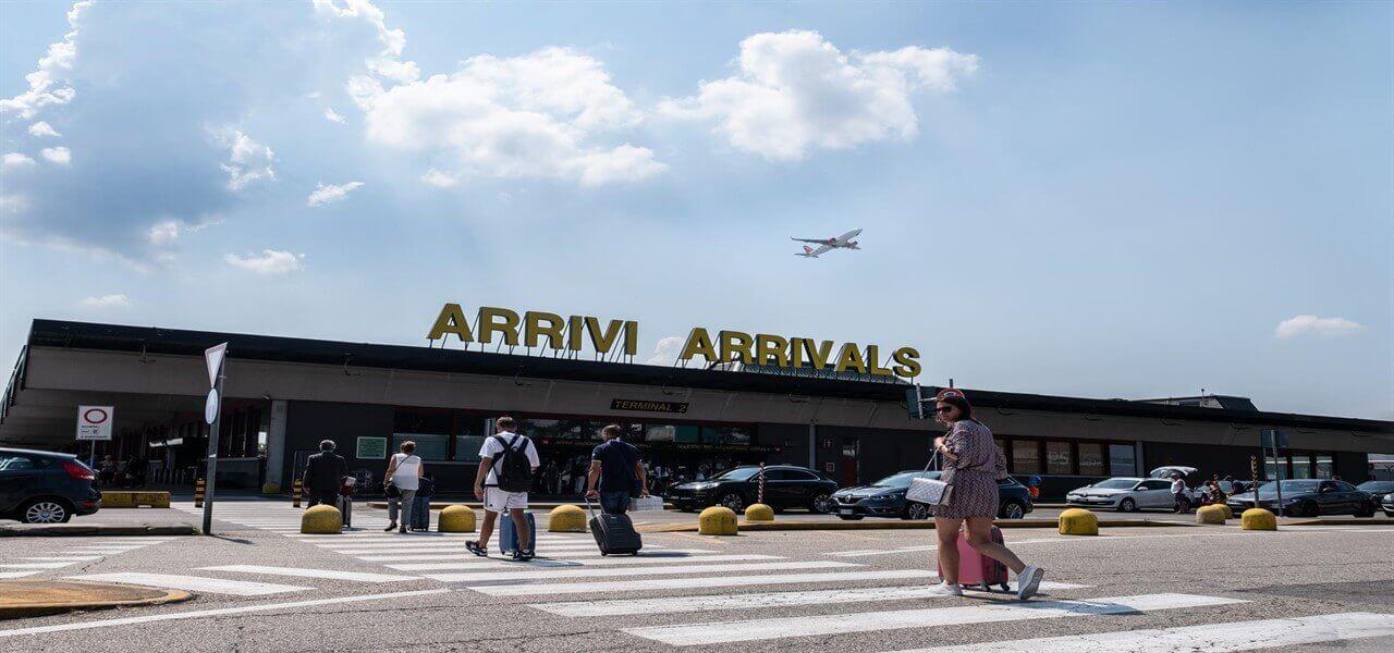 aeroporto malpensa milano lapresse