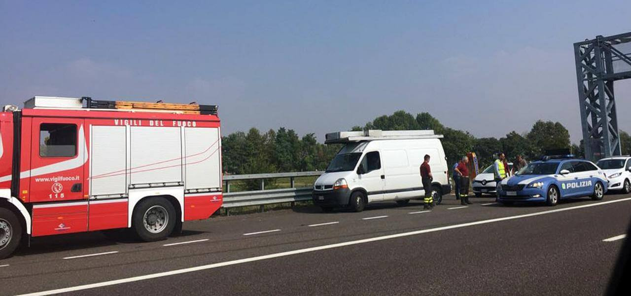 Incidente in autostrada, i soccorsi