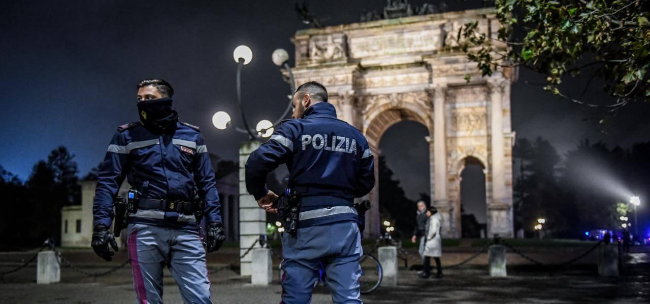 Polizia all'Arco della Pace
