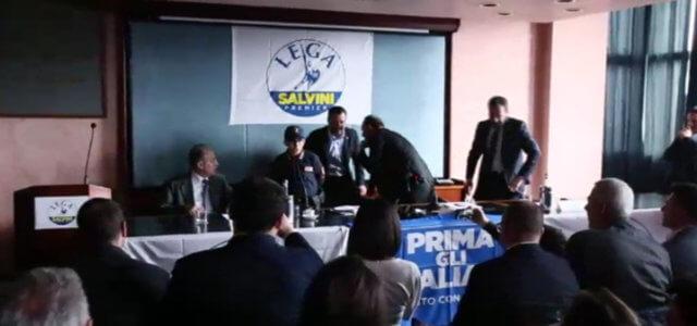 Potenza, bimbo accoglie Salvini