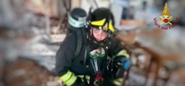 Esplosione In Palazzina A Cervignano Molti Feriti Madre E Bimbo Coperti Di Sangue