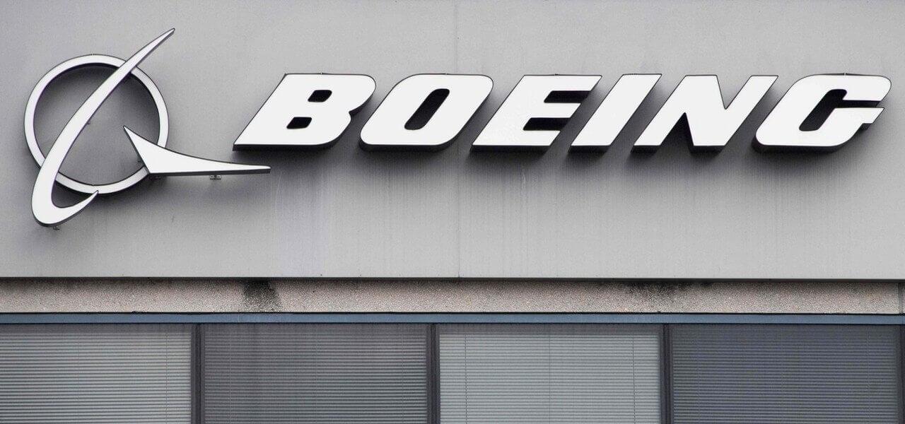 Boeing scritta Lapresse1280