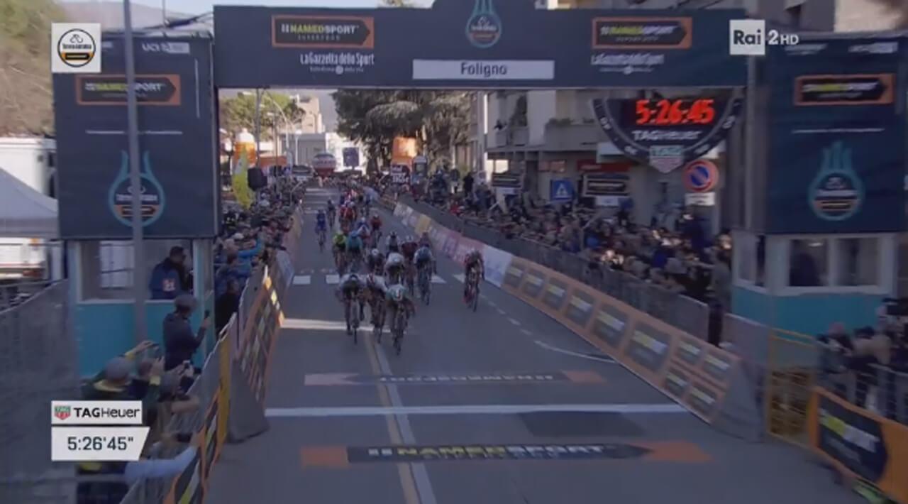 Elia Viviani vince la terza tappa della Tirreno-Adriatico