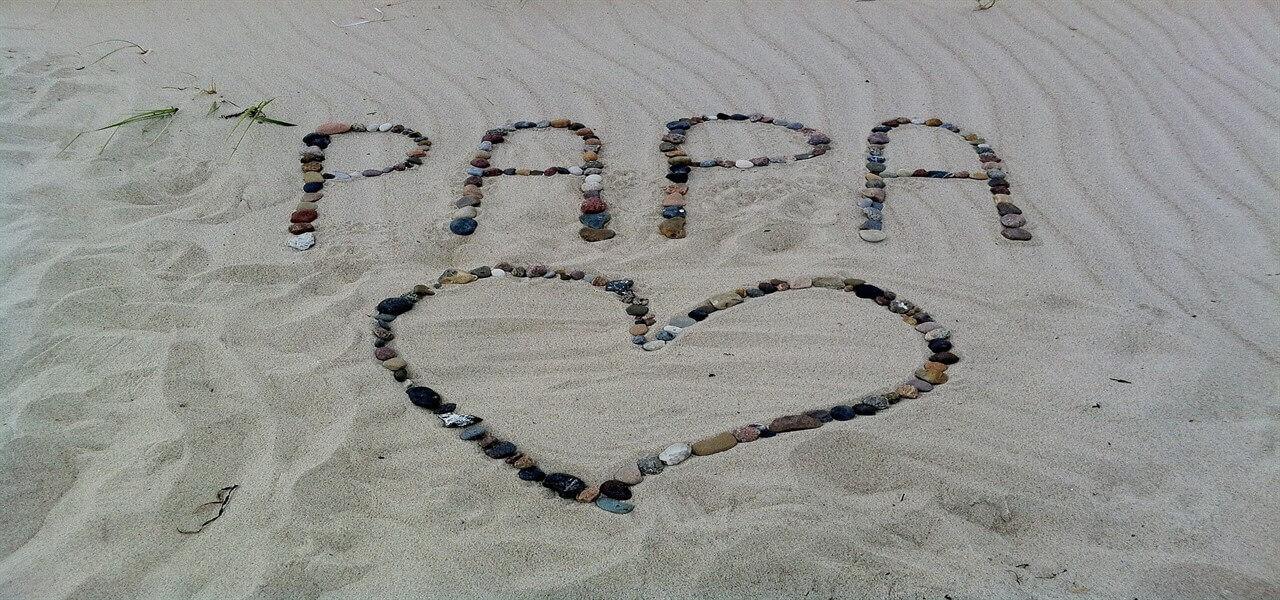 festa papa spiaggia pixabay