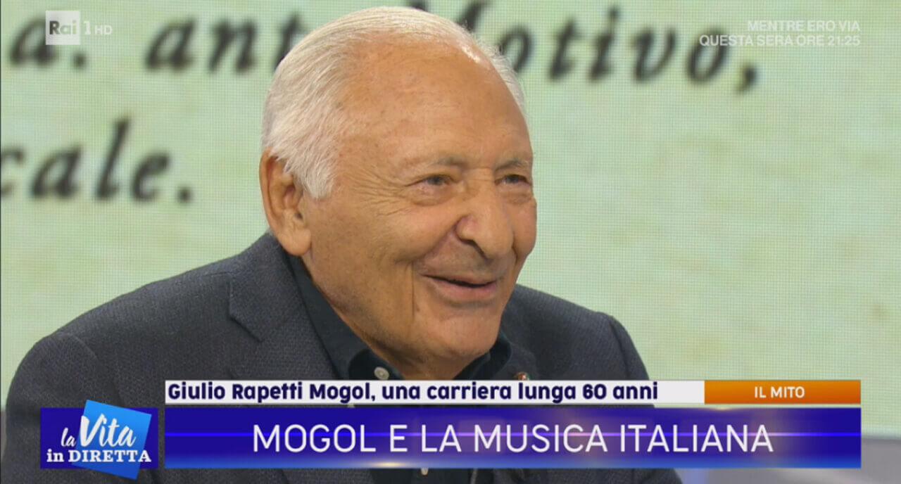 """Mogol/ Omaggio a Battisti, standing ovation del pubblico: """"Vi prego ..."""