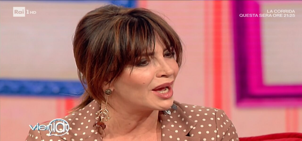 """Francesca Rettondini a Vieni da me/ """"Castagna è con me. Sulla ..."""