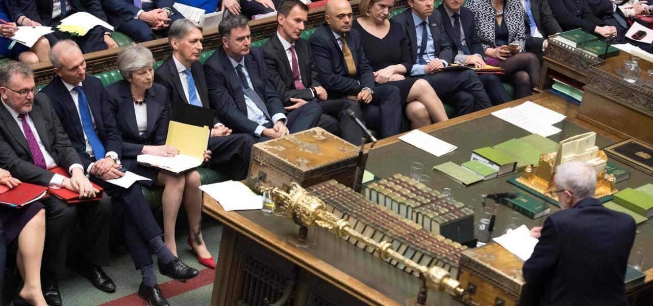 May e Corbyn in Parlamento