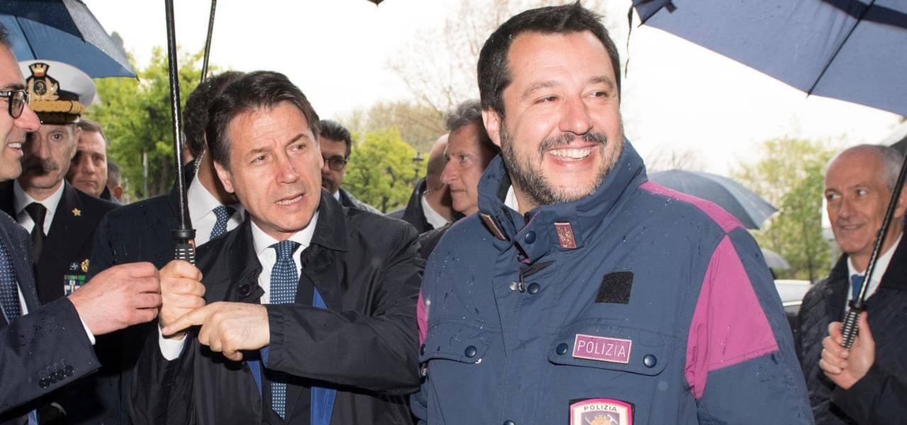 Polizia, Conte e Salvini