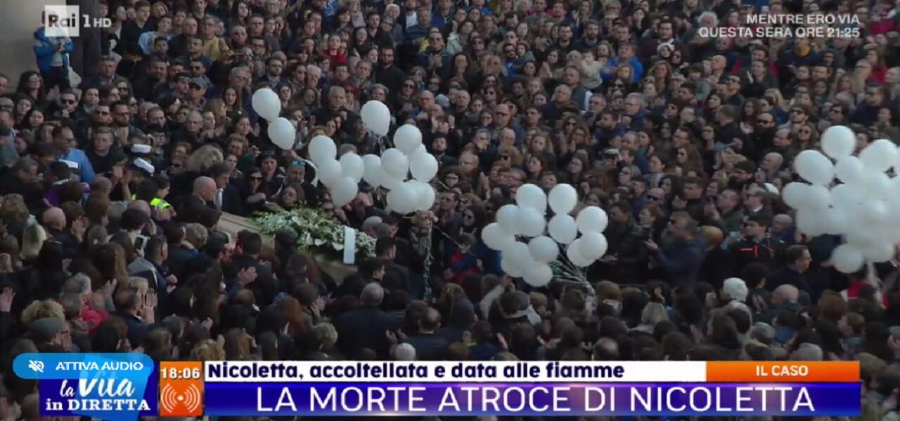 Omicidio Marsala, i funerali di Nicoletta Indelicato (La vita in diretta)