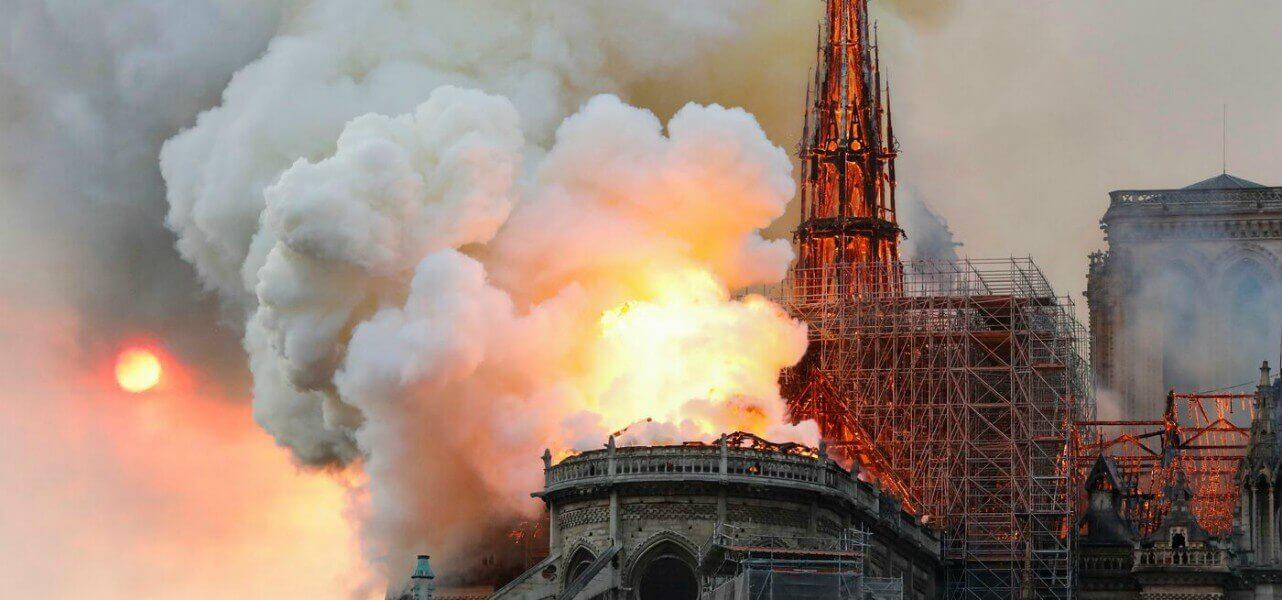 notredame parigi incendio 1 lapresse1280