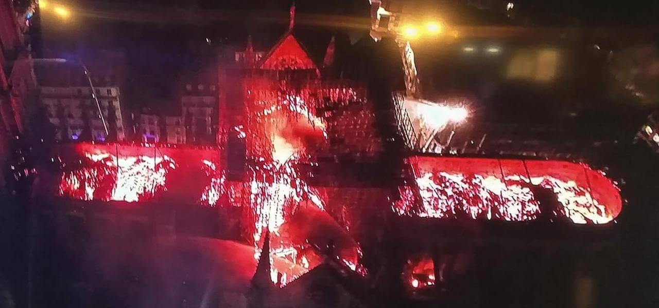 Incendio a Notre Dame di Parigi