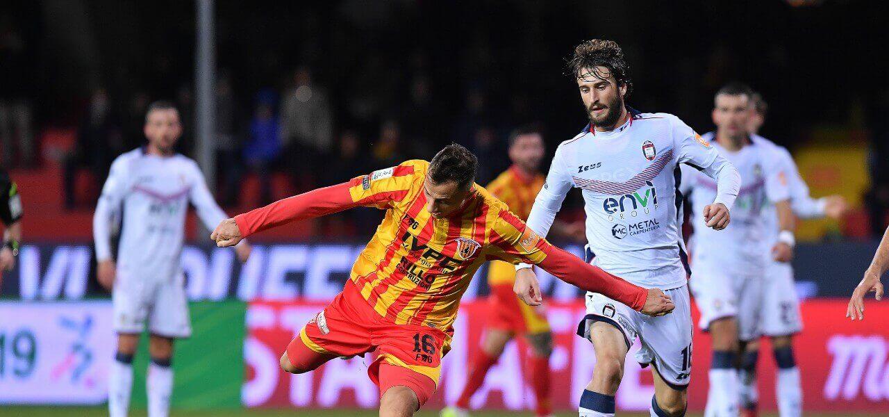 Improta Barberis Benevento Crotone lapresse 2019