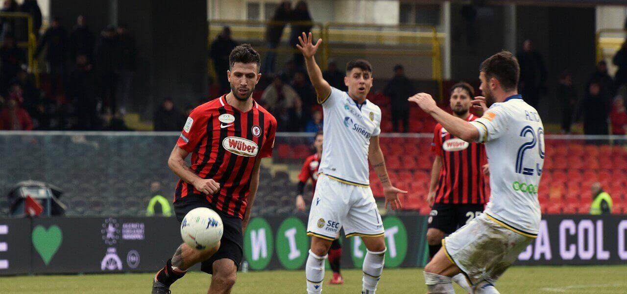 Iemmello Almici Foggia Verona lapresse 2019