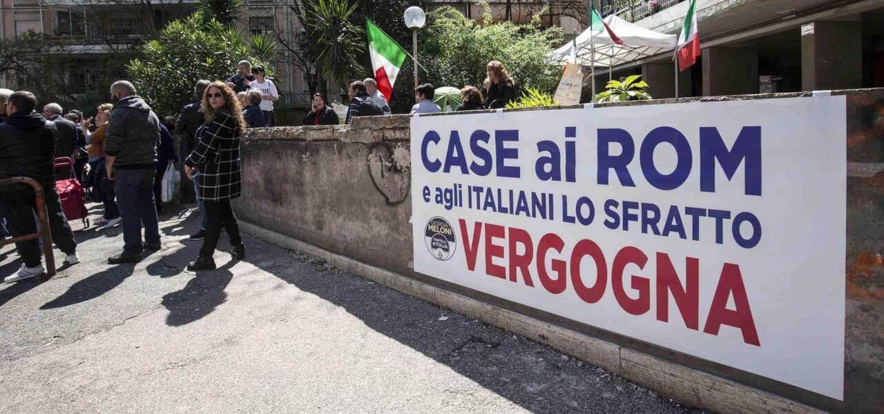 Roma, proteste contro i rom a Casal Bruciato