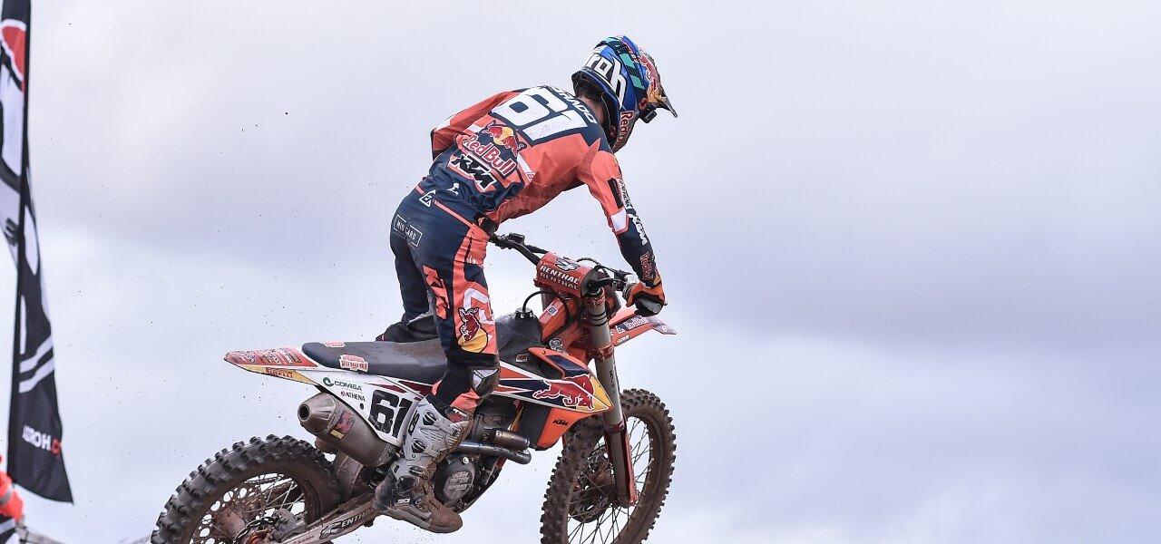 Tony Cairoli motocross schiena lapresse 2019