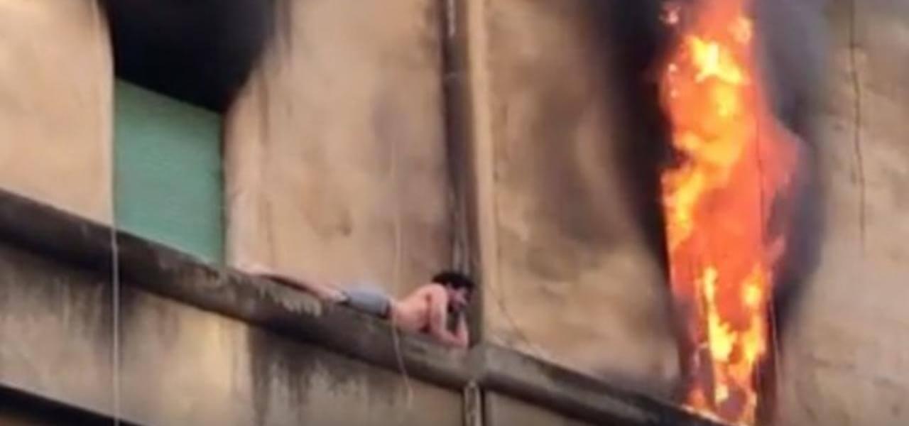 Si salva da incendio a Roma