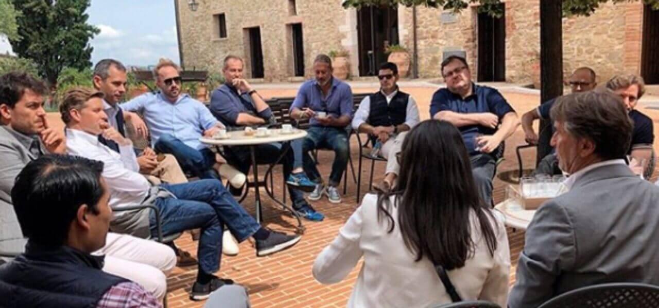hot sale online 64aa4 db228 Brunello Cucinelli: la Silicon Valley in Umbria/ Con Bezos ...