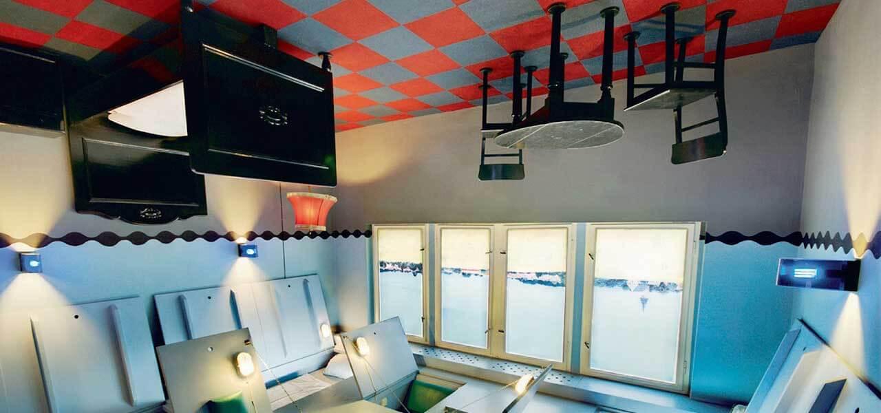Propeller island city lodge berlino un hotel stravagante for Berlino hotel design