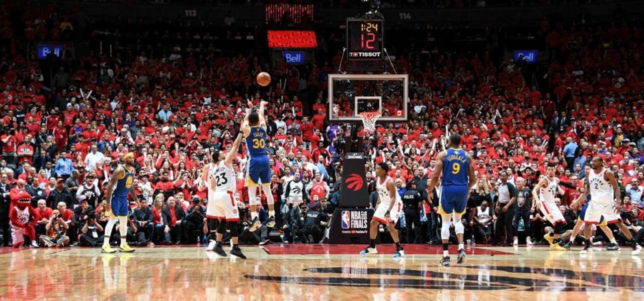 Curry tripla Golden State Toronto NBA lapresse 2019