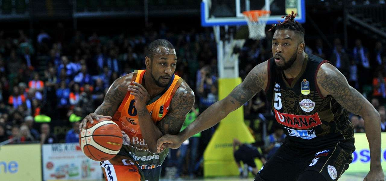 VIDEO/ Dinamo Sassari Venezia (87-77) highlights: Pozzecco ...