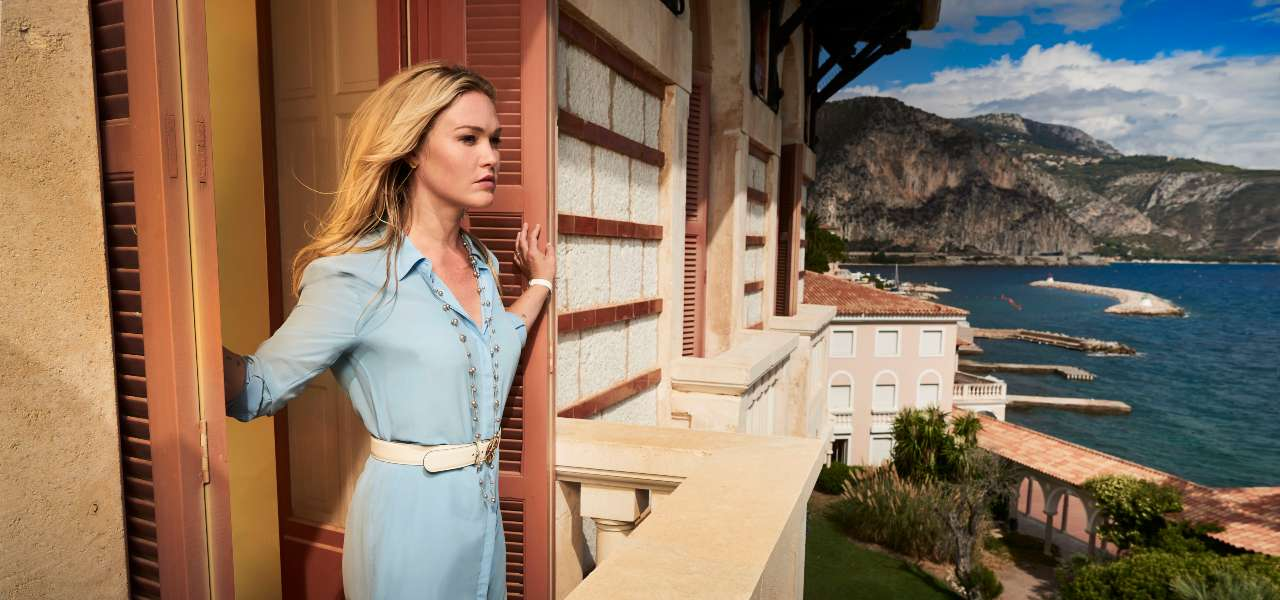 Julia Stiles, Riviera