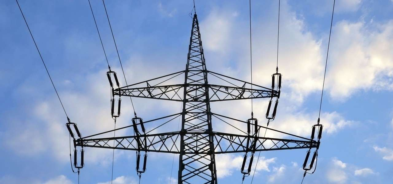 Elettricita traliccio pixabay1280
