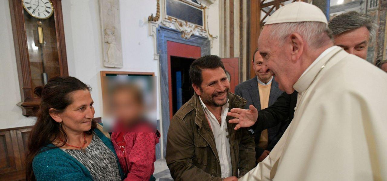 Famiglia rom Omerovic accolta dal Papa in Vaticano