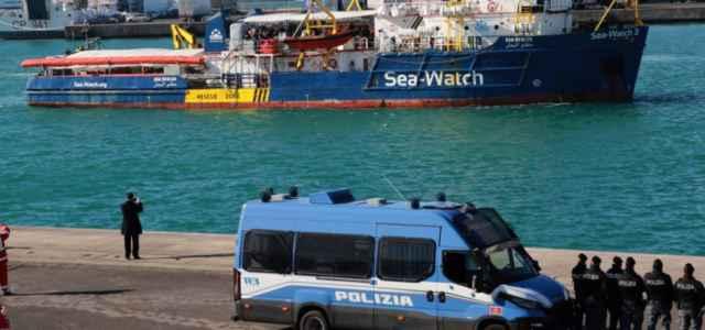 sea watch polizia lapresse 2019 640x300