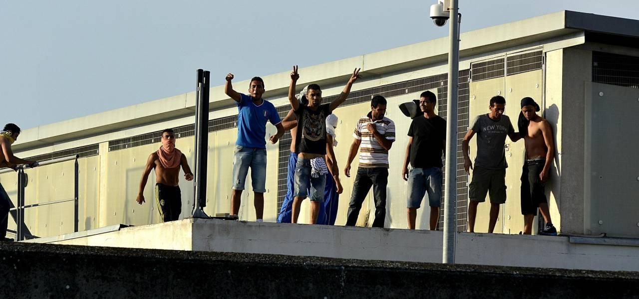 Protesta migranti a Ponte Galeria