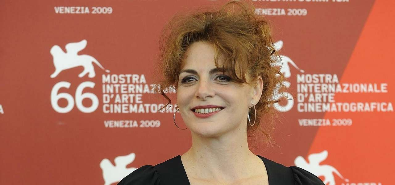 """Caterina Varzi, chi è la moglie di Tinto Brass/ Il """"patto"""" suggellato dal ..."""