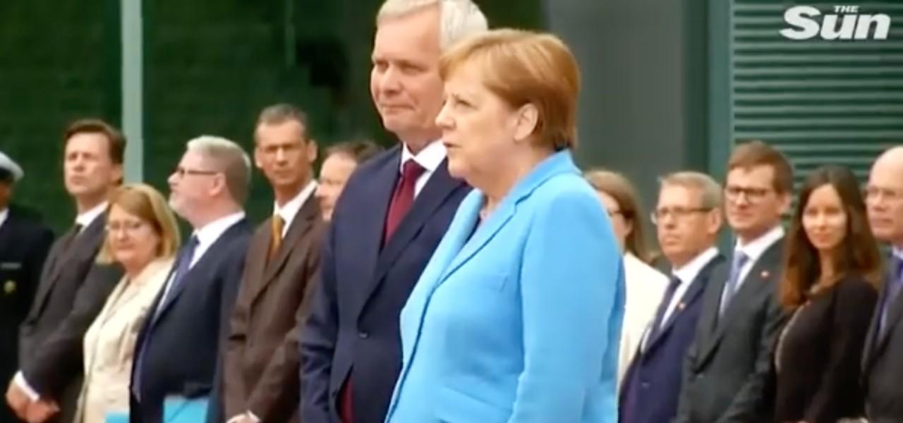 Angela Merkel trema ancor