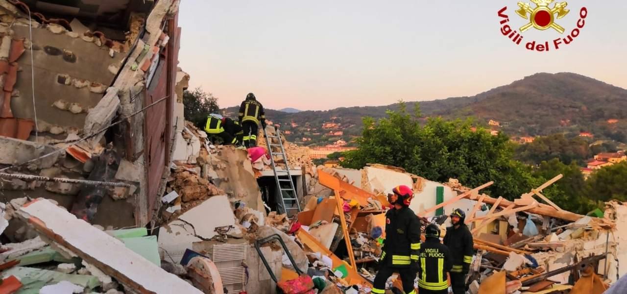 Portoferraio, esplosa palazzina