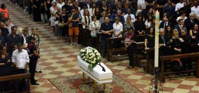 nadia toffa bara funerale 2019 lapresse 640x300