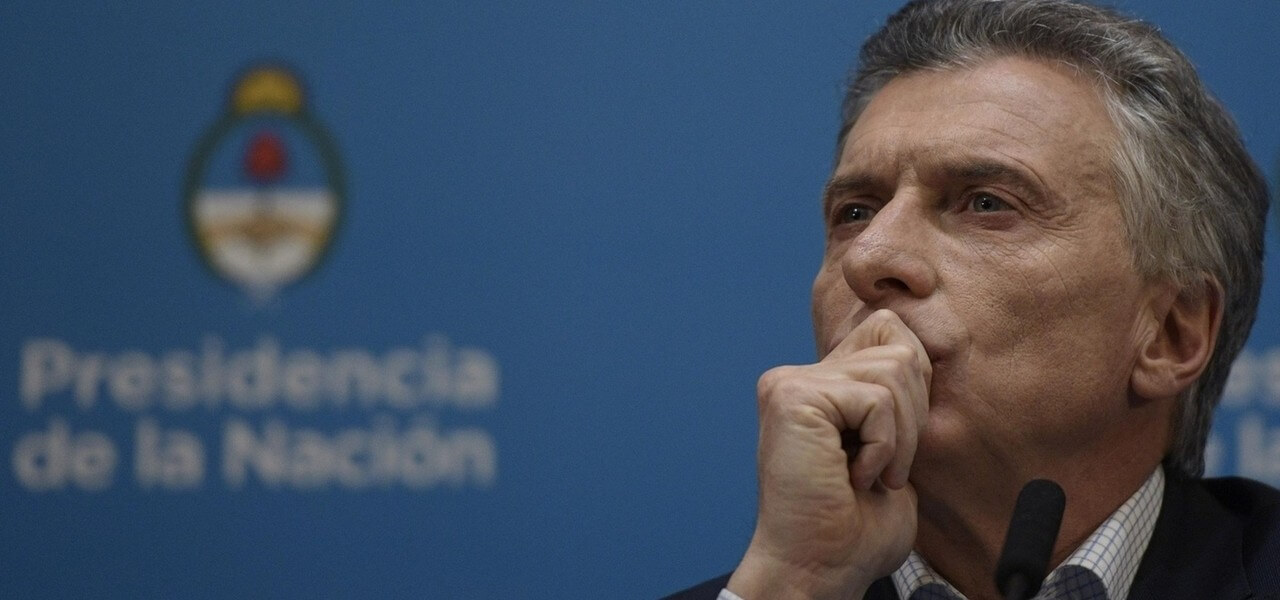 Macri Argentina pensoso Lapresse