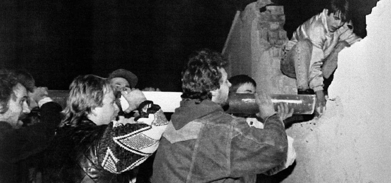 muro berlino comunismo 1989 lapresse1280