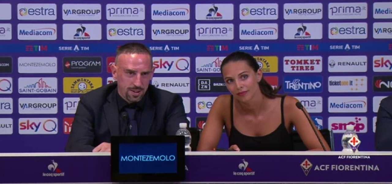 """Alessia Enriquez/ La sexy traduttrice di Ribery ruba la scena """"Sei ..."""