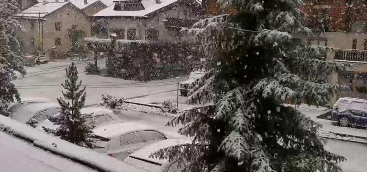 Livigno, prima neve sulle Alpi/ Video, fiocchi a bassa quota: caduti ...