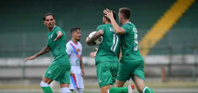 L'esultanza di Albadoro (Avellino) dopo un gol (foto La Presse)