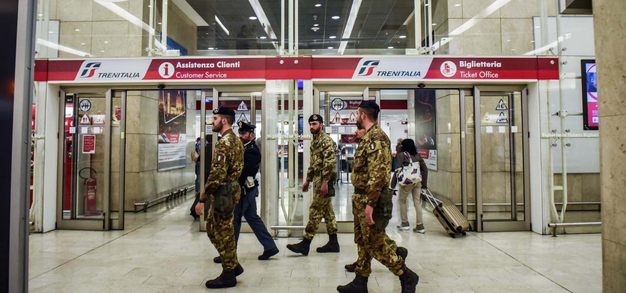 Militari alla Stazione Centrale di Milano