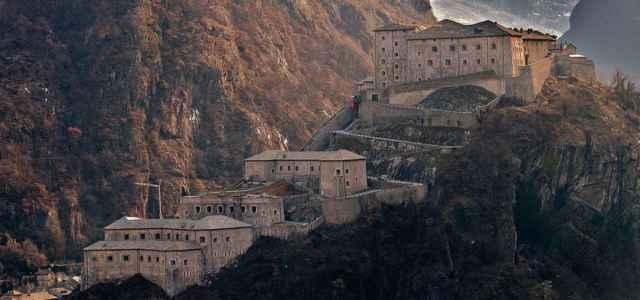Cartina Muta Della Valle D Aosta.Bard Il Comune Piu Piccolo Della Valle D Aosta Un Borgo In Miniatura E Il Suo Forte