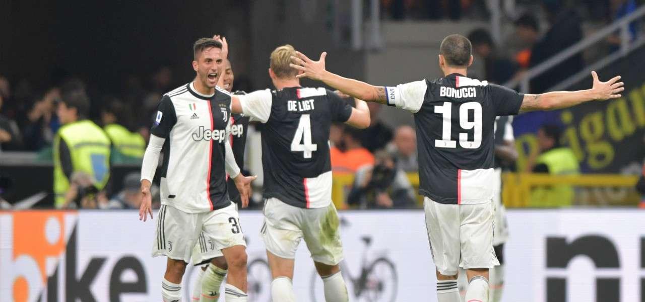 Bentancur De Ligt Bonucci Juventus esultanza lapresse 2019