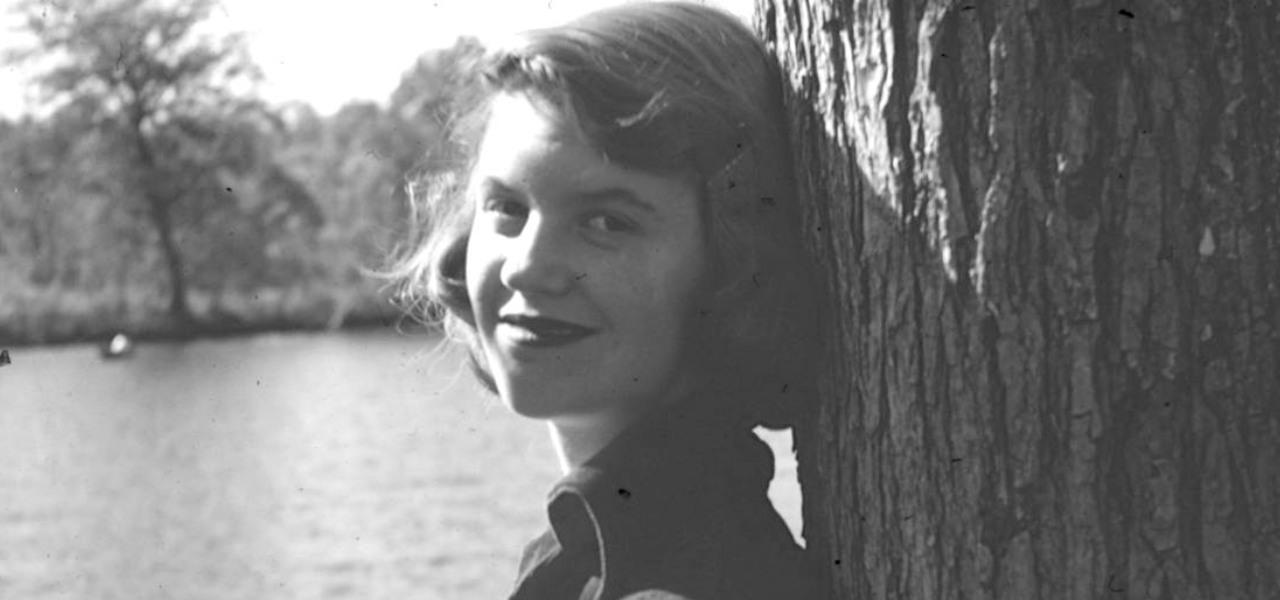 SYLVIA PLATH, CHI È/ L'11 febbraio '63 salutò i figli poi infilò la ...