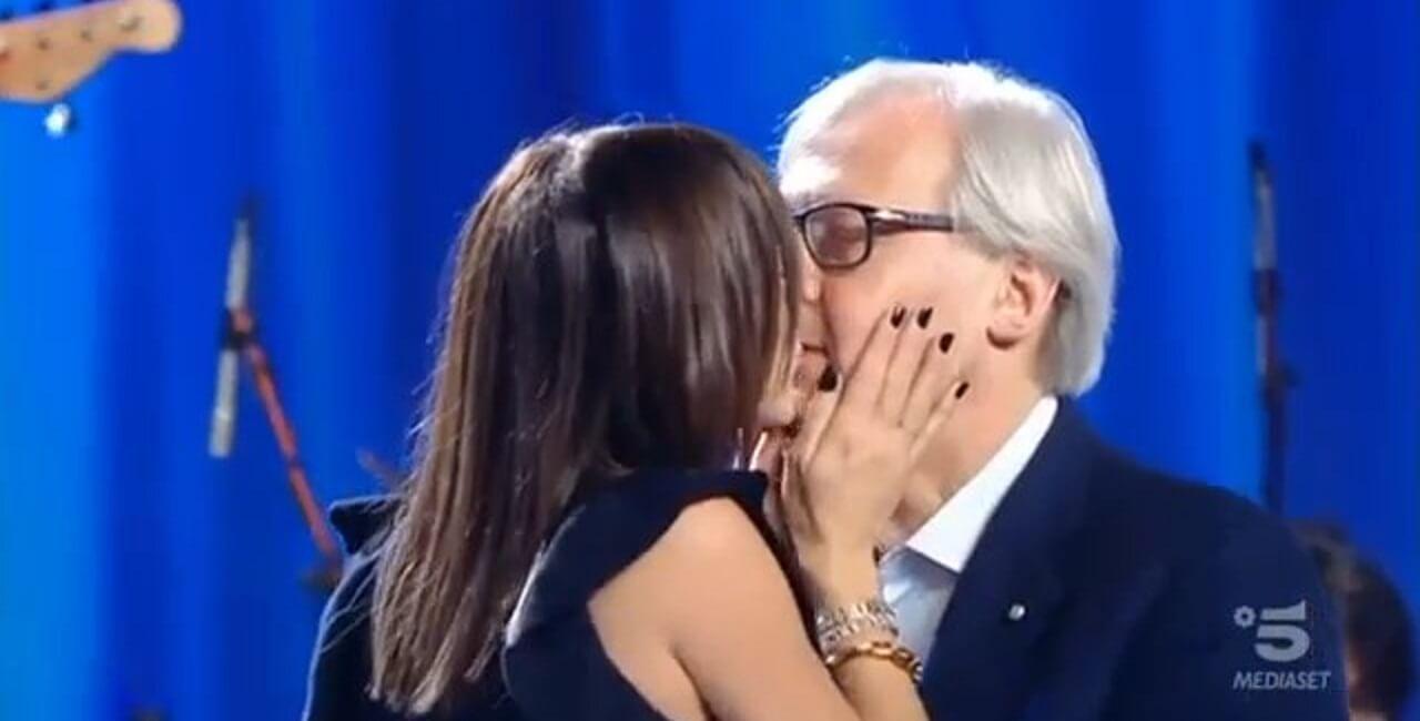 Vittorio Sgarbi Carla liotto bacio