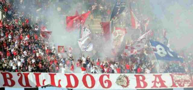 La tifoseria del Bari (foto La Presse)